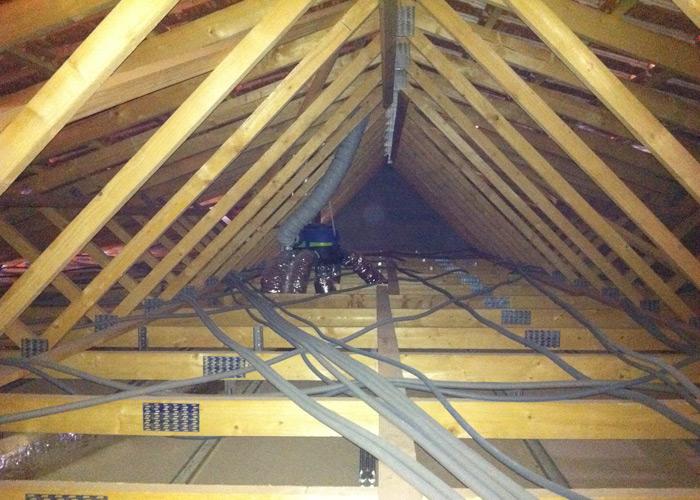 Pose des placos et isolation int rieure - Refaire une installation electrique dans une maison ...