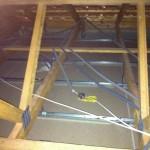 Passage des câbles électriques dans les combles 1