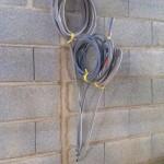 Passage des câbles électriques depuis le plafond