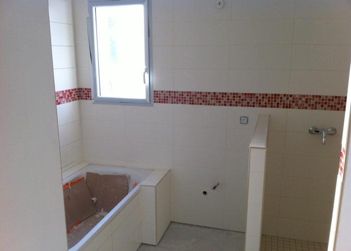 Pose des carreaux et mosa ques dans les salles d 39 eau - Pose faience salle de bain ...