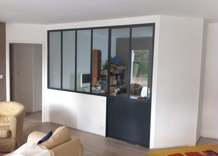 cloisons vitr es dans le bureau et les salles de bains. Black Bedroom Furniture Sets. Home Design Ideas