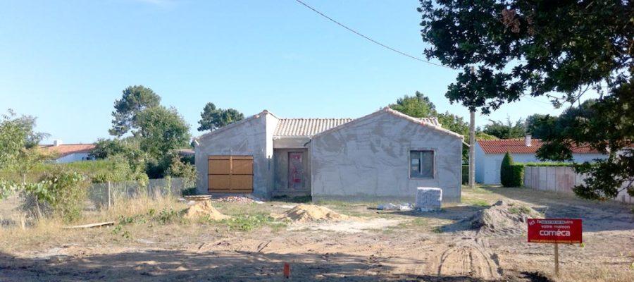 Panneau du constructeur sur le chantier