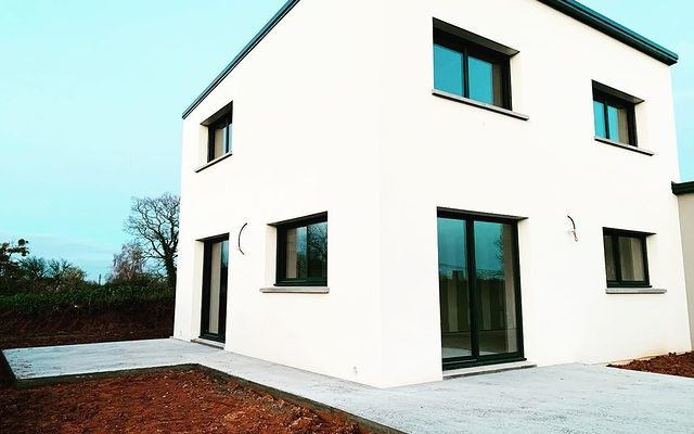 Construction de maison contemporaine dans la Manche