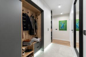 Placards et rangements conçus dès les plans de la maison